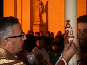 """Noaptea de Înviere la Biserica """"Sf. Ioan Nepomuk"""". Foto: Edi LUCACI"""