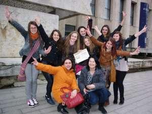 """Trupa formată din elevi ai clasei a XI-a B a Colegiului """"Andronic Motrescu"""" s-a dovedit cea mai bună"""