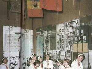 """Preşcolarii erau înrolaţi în """"Şoimii Patriei"""", până în clasa I, apoi deveneau în clasa a II-a pionieri"""