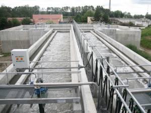 Apele prelucrate în noua staţie de epurare sunt deversate în râul Suceava, iar materialul solid rămâne depozitat în aer liber