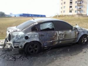 Maşina fost distrusă în proporţie de 70%, pagubele fiind estimate la 50.000 de lei
