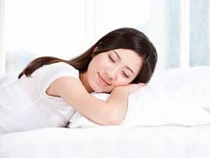 Care sunt cele mai bune şi cele mai rele poziţii pentru somn