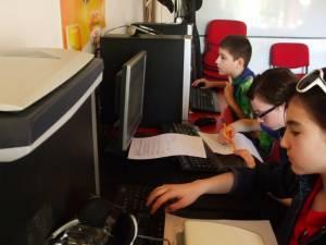 Informaticienii de la Palatul Copiilor se pregătesc pentru două concursuri naţionale