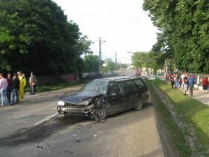 Accident cu trei răniţi pe DN 29, la Dumbrăveni