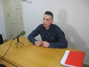 Printr-un simplu telefon, Ovidiu Rusu i-a dat ordin şefului IPJ Neamţ să facă percheziţii în arestul unităţii şi să mute un deţinut dintr-o celulă în alta