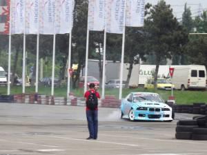 Competiţii auto extreme în parcarea Shopping City, la Toyota Suceava Drift Grand Prix