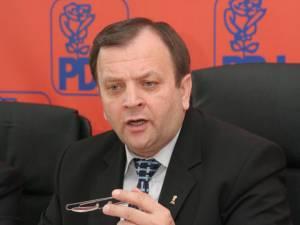 """Gheorghe Flutur: """"În situația de a pierde finanțarea sunt mai multe primării din județul Suceava, cu primari atât de la PDL, dar și de la USL – PSD sau PNL"""""""