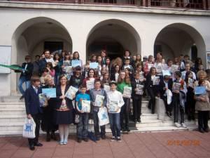 În competiţie au participat 104 elevi din 20 unităţi şcolare din judeţ