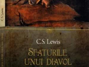"""C.S. Lewis: """"Sfaturile unui diavol bătrân către unul mai tânăr"""""""