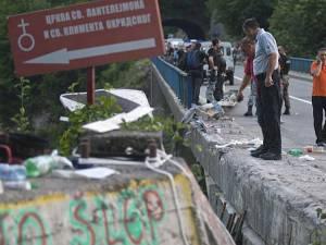 Guvernul va decreta ziua de miercuri drept zi de doliu naţional pentru victimele din Muntenegru