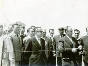 În 1962, panglica inaugurală a fost tăiată de preşedintele Consiliului executiv al Sfatului Popular al Regiunii Suceava, Emil Bobu