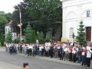 Aproape 150 de salariaţi de la Termica au participat la mitingul care a avut loc ieri în faţa Palatului Administrativ