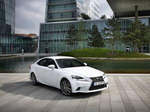 Lexus a livrat peste 100.000 de modele hibride pe piața europeană