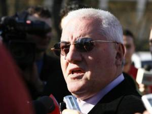 Dumitru Dragomir se crede preşedinte pe viaţă la LPF