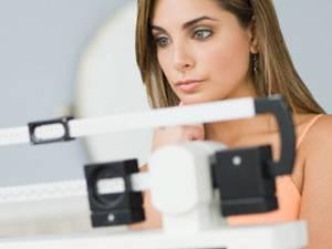 Greutatea femeilor oscilează cu 10 kilograme de-a lungul vieţii