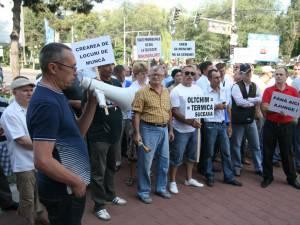 Aproape 100 de salariaţi ai Termica au cerut să le fie respectate drepturile salariale