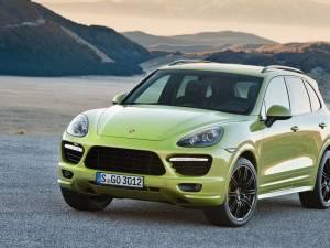 Porsche crește producția de modele Cayenne și Panamera