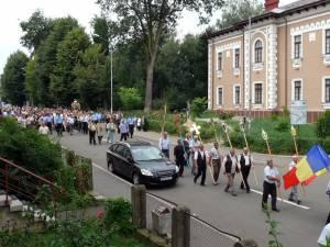 Baldachinul cu moaştele Sfinţilor Epictet şi Astion a fost purtat sâmbăta, de sărbătoarea Sfântului Mare Prooroc Ilie Tezviteanul, ocrotitorul municipiului Fălticeni, în procesiune prin centrul oraşului