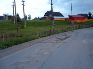 Mixtura asfaltică s-a degradat accentuat pe mai multe porţiuni