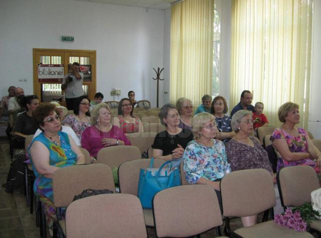 """Ilinca Ioana Rusu şi-a lansat volumul de poeme """"Cuvinte pe spatele tău"""""""