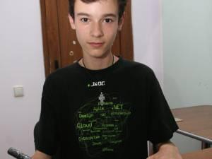 """Nicolae Titus Ungureanu este elev în clasa a IX-a, la Colegiul de Artă """"Ciprian Porumbescu"""", secţia arhitectură"""
