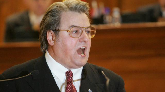 Corneliu Vadim Tudor a fost exclus, prin vot deschis. Foto: www.economica.net
