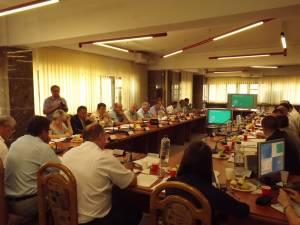 Aleşii locali au aprobat, ieri, desfiinţarea a 81 de posturi din cadrul Primăriei Suceava