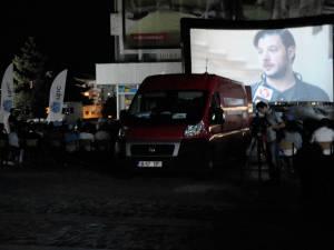 """Timp de două zile, Caravana TIFF s-a aflat în Piaţa """"Nada Florilor"""" din Fălticeni"""