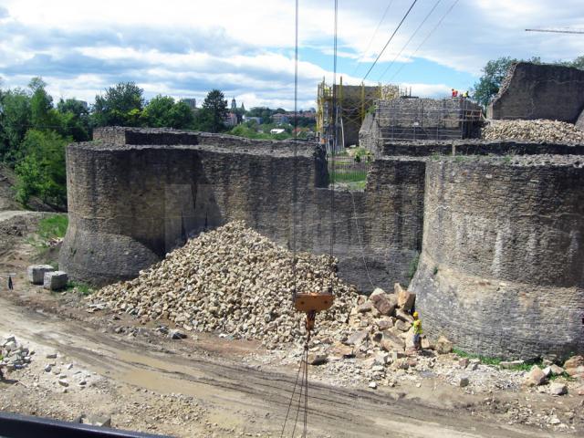 Cetatea se afla astăzi într-un amplu proces de restaurare şi consolidare