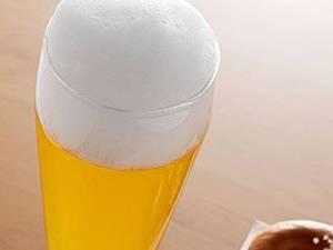 Consumul moderat de bere poate îmbunătăţi memoria şi nivelul de atenţie