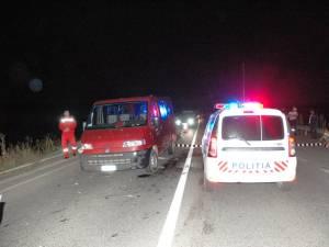 O autospecială Logan MCV a Poliţiei Rutiere, dotată cu aparat radar, a fost lovită de o dubiţă condusă de către un tânăr care rula cu 131 de kilometri la oră Foto: Vasile Ciocan