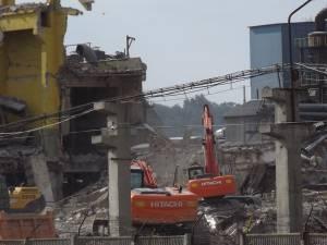 Acesta este doar primul pas al demolărilor de la Ambro
