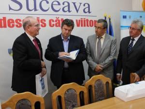 Ambasadorul Israelului în România s-a întâlnit cu autorităţile locale