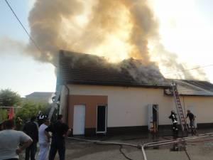 Incendiu violent la o brutărie din Rădăuţi