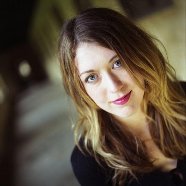 """Samantha Shannon, în vârstă de 21 de ani, este supranumită de presa internaţonală """"noua J.K. Rowling"""""""
