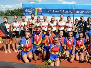 Echipajele de 8+1 ale Romaniei, Germaniei şi Italiei se bucură pentru medaliile cucerite la Mondialele din Lituania