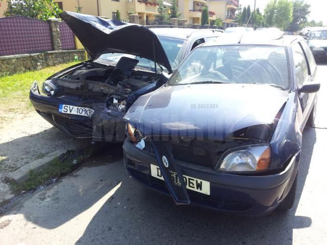 Accident la ieşirea din Suceava, după ce un şofer a virat prin faţa maşinii de pe contrasens