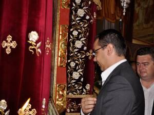 Victor Ponta a participat şi anul trecut la slujba de sărbătoarea Adormirea Maicii Domnului de la mănăstirea Putna
