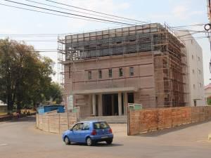 Banii necesari pentru finalizarea Centrului Cultural Bucovina nu pot fi accesaţi