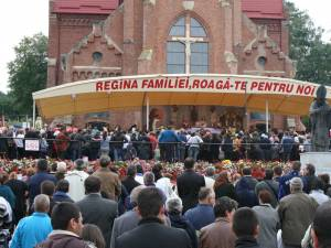 Cacica constituie un important loc de pelerinaj atât pentru catolicii din ţară, cât şi pentru cei din străinătate