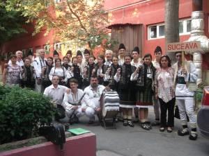 """Ansamblul """"Stejărelul"""" din Cajvana a câştigat premiul I la Festivalul Internaţional de Folclor ,,Peştişorul de Aur"""""""