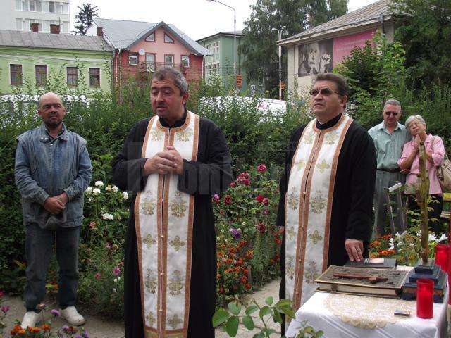 """Pomenirea Sfinţilor Martiri Brâncoveni la Biserica monument """"Inmemoriam"""" cu hramul Naşterea Maicii Domnului - Suceava"""