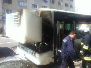 Un autobuz TPL a luat foc la plecarea în cursă