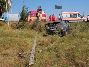 Ambulanţă SMURD, implicată într-un accident la ieşirea din Plopeni spre Suceava