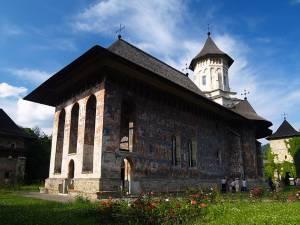 Mănăstirea Moldoviţa este una dintre cele mai vechi aşezări monahale, cu un important trecut istoric
