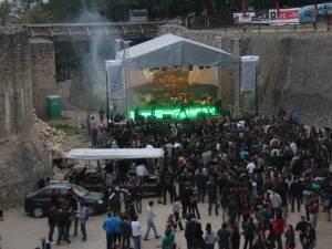 1.355 de spectatori în prima zi de festival Bucovina Rock Castle