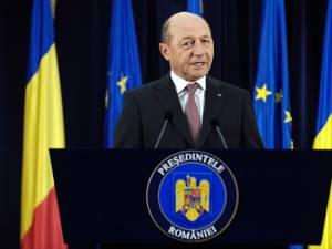 Băsescu: Antonescu, Ponta, Blaga să aibă grijă de infractorii din partide, nu să se lege de instituţii