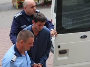 Ionuţ Mazarache a fost prezentat instanţei de Judecată, Judecătoria Suceava, care a emis mandat de arestare pentru 29 de zile
