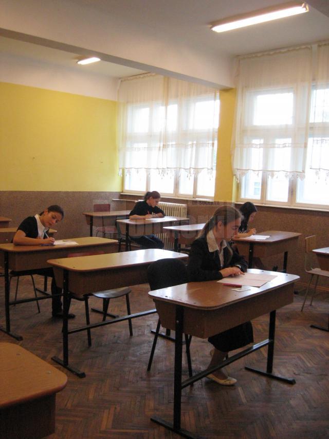 Sute de elevi au absentat astăzi de la proba obligatorie a profilului de la bacul de toamnă