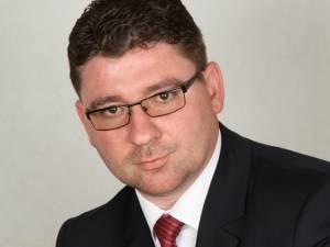 Consilierul local Traian Andronachi se declară nemulţumit de starea în care se află unităţile de învăţământ din municipiul Rădăuţi